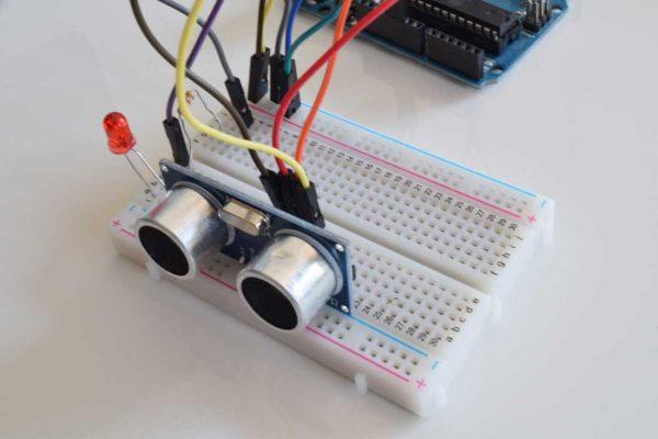 Arduino Board HC-SR04